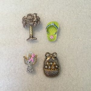 Collection of 4 lovely brooches - 2 marked Best